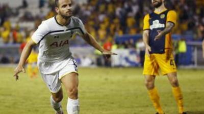 Roberto Soldado anotó en el triunfo del Tottenham ante Limassol.