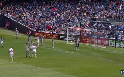 Larin aumenta la ventaja de Orlando en Yankee Stadium