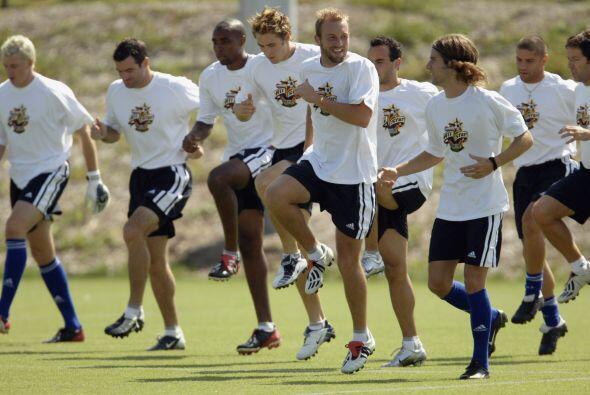 Las Chivas del Guadalajara fueron el rival del 2003, en esa ocasión el c...