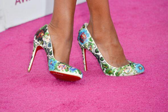 No teme usarlos hasta en los zapatos, como con este  par de Louboutin.