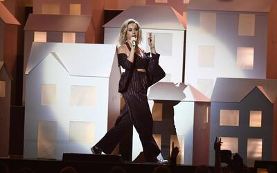 Katy Perry en el escenario de los Brit Awards