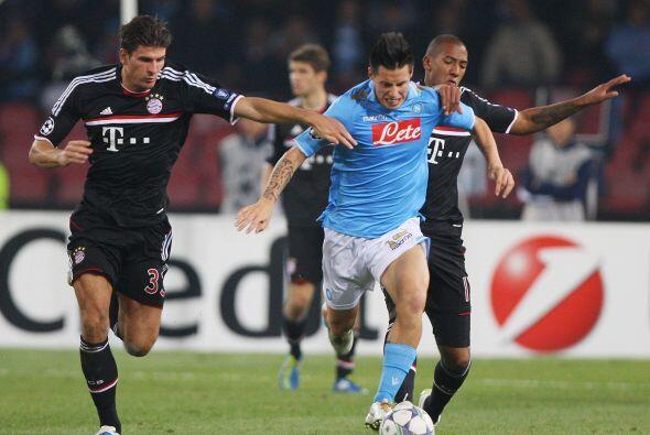 Nápoli sufrió ante el Bayern Munich y rescató un em...