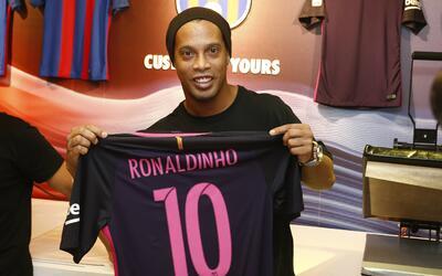 Ronaldinho podría jugar en el Barça Legends.