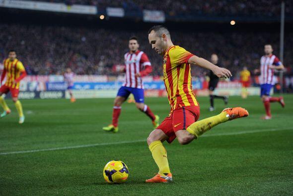 Con el paso de los minutos el Barcelona se fue soltando y el partido se...