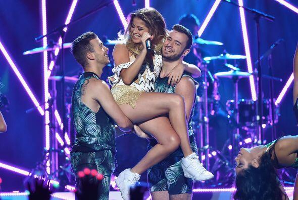 Sofía Reyes tuvo un número musical muy sexy y divertido cuando cantó 'Co...