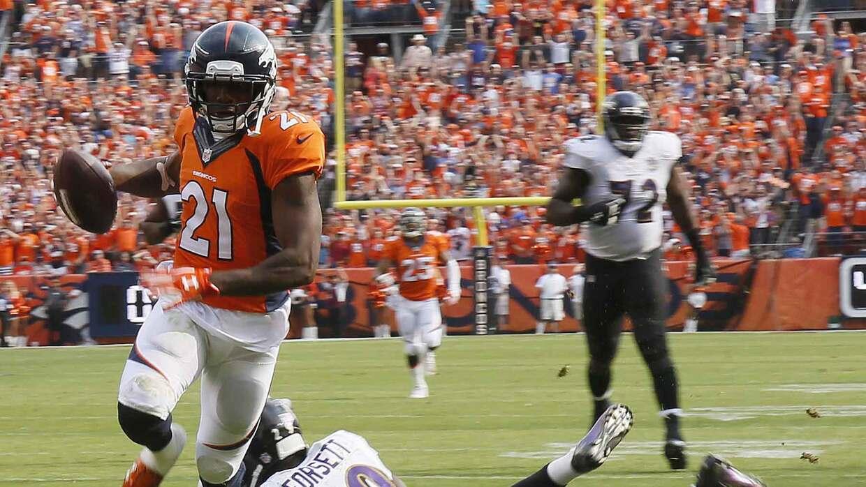 Aqib Talib logró el único touchdown de los Broncos con una intercepción...