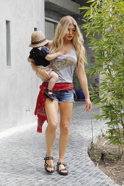 ¿Qué más quieren? Fergie es toda una mamá co...