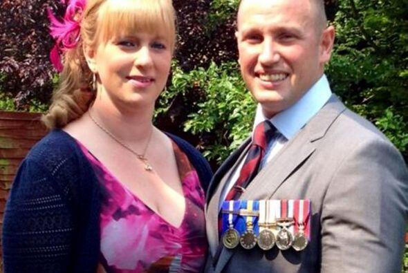 Natalie es la esposa de Mark, quien lo ha apoyado.