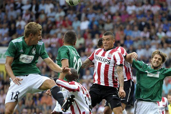 El PSV Eindhoven cumplió con el juego de vuelta ante el Ried de Austria.