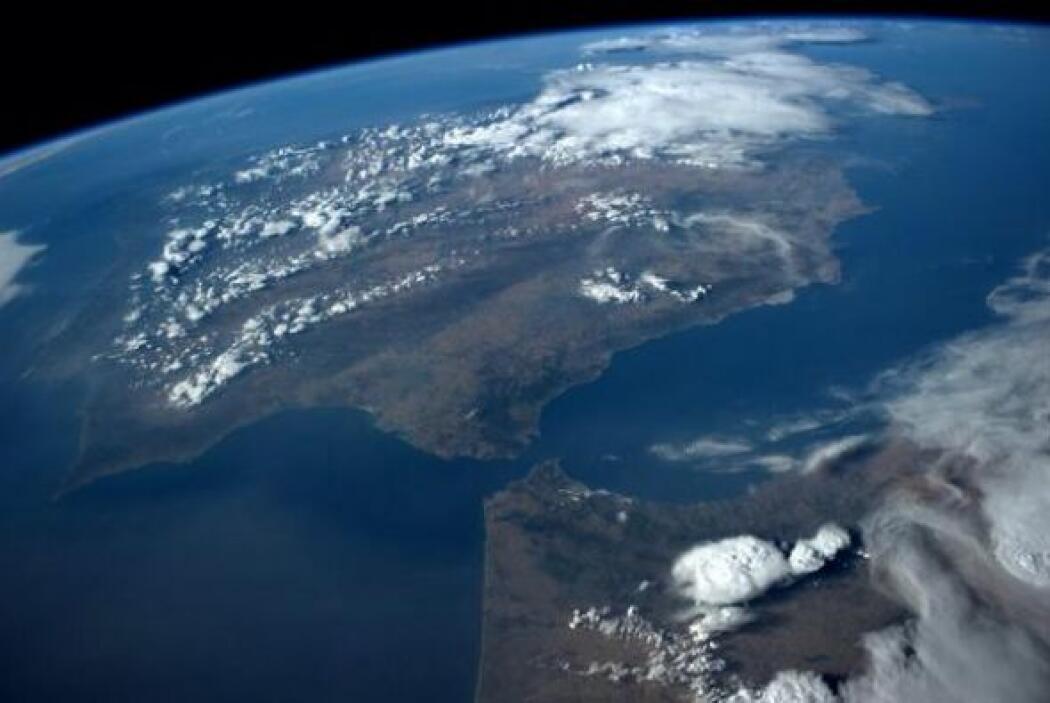 Portugal,   España   y Marruecos   en una tarde   soleada.   Fotos: @ast...