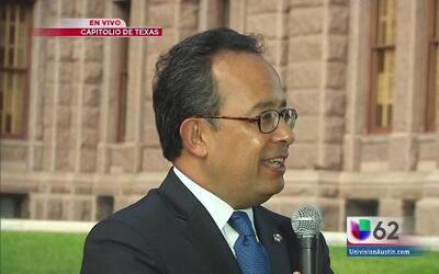 El cónsul de México listo para dar El Grito