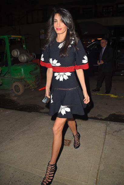 La esposa de George Clooney llegó a cenar con su amado.