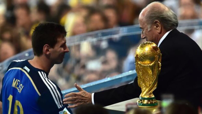Blatter ya había mostrado su decontento por el premio dado a Messi duran...