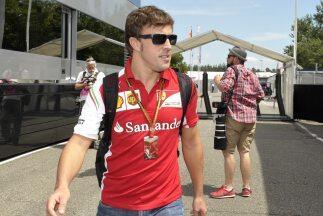 El piloto español señaló qeu no ha hablado con otro equipo.