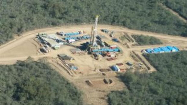 Una compañía multinacional de origen inglés encontró petróleo en la regi...