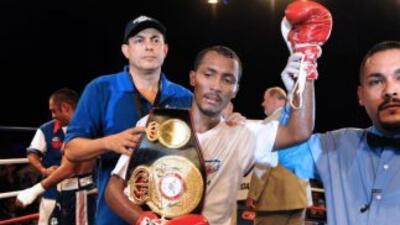 Moreno derrotó a Darchinyan por deciisón unánime.