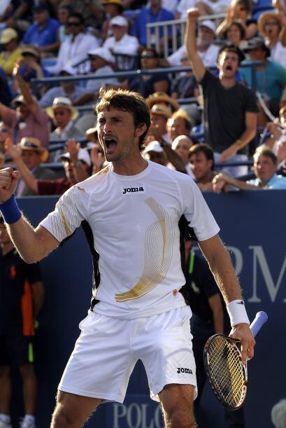 El español Juan Carlos Ferrero sigue en carrera luego de que su compatri...