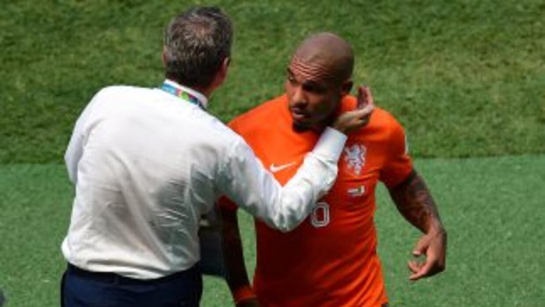 El jugador hoalndés sufrió una lesión en la ingle.