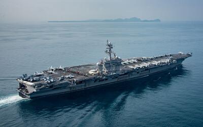 El portaaviones norteamericano USS Carl Vinson y su flota llegará...