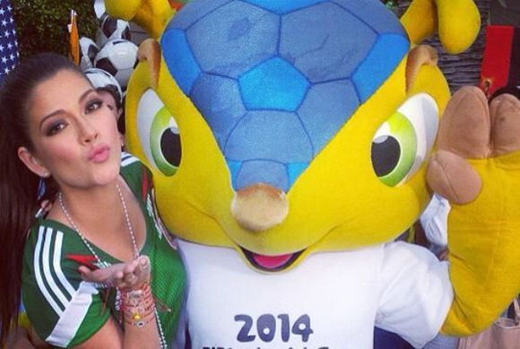 """""""¡Con #Fuleco! La mascota oficial del Mundial Brazil 2014"""", mostró Ana...."""