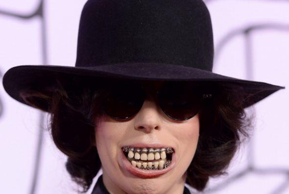 Ya no sabemos si es Mrilyn Manson o Lady Gaga.