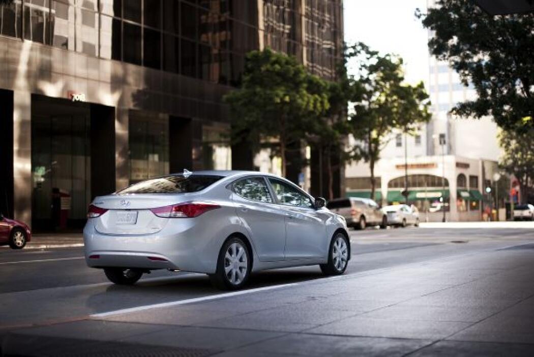 5.-Hyundai Elantra sedán.- Muchos se han sorprendido con el rediseño que...