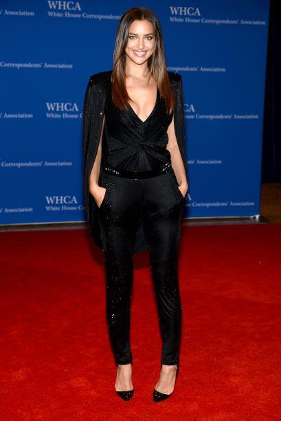 La supermodelo Irina Shayk, muy escotadita. Mira aquí los videos...