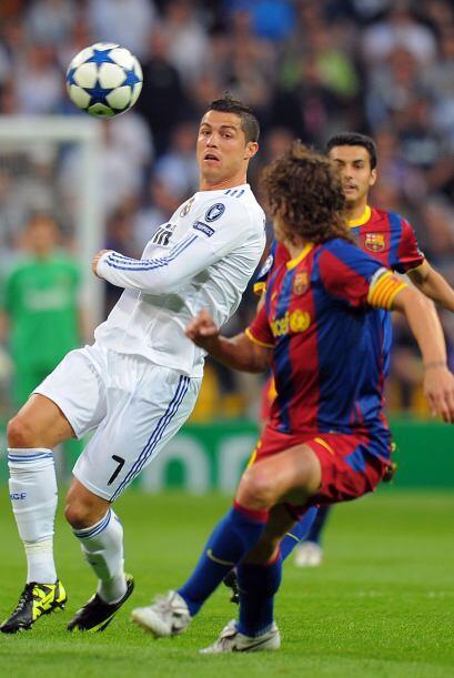 Cristiano Ronaldo se vio muy individualista. En la primera mitad hizo do...