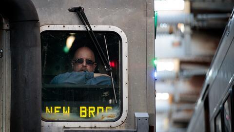 Proyectos de trenes, metros, tranvías y buses podrían qued...