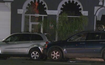 Autoridades investigan un tiroteo entre dos conductores en las calles de...