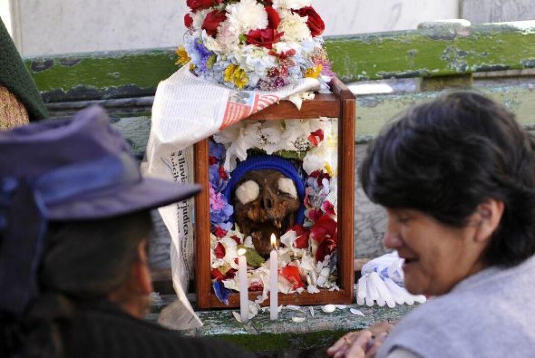 Aunque este año el cementerio central de La Paz estuvo atestado de decen...