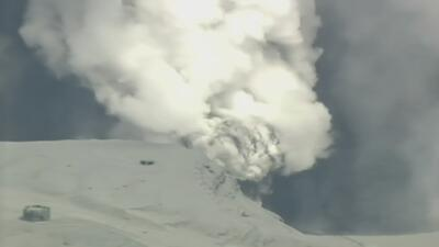 La erupción del volcán Monte Aso en Japón
