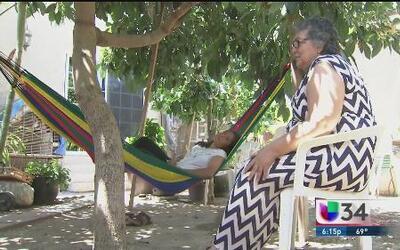 Abuelita se reencuentra con su nieta procedente de El Salvador