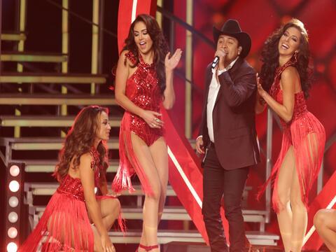 El cantante mexicano trajo la alegría y puso a bailar a las final...