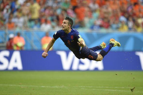 Robin Van Persie nos regaló uno de los mejores goles de la Copa M...