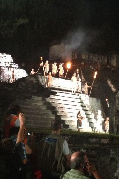 Un ritual milenario de los mayas en la misma pirámide, comenz&oac...