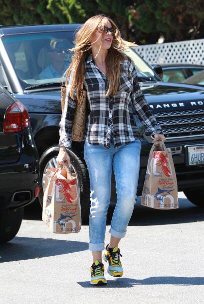 La actriz también pasa por días en los que prefiere unas zapatillas depo...