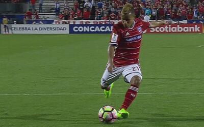 Michael Barrios anotó con un potente remate abajo para el 4-0 de FC Dall...