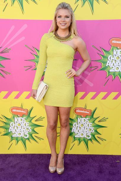 Kelly Goss fue una de las más tinadas de la gala al llevar un vestido li...
