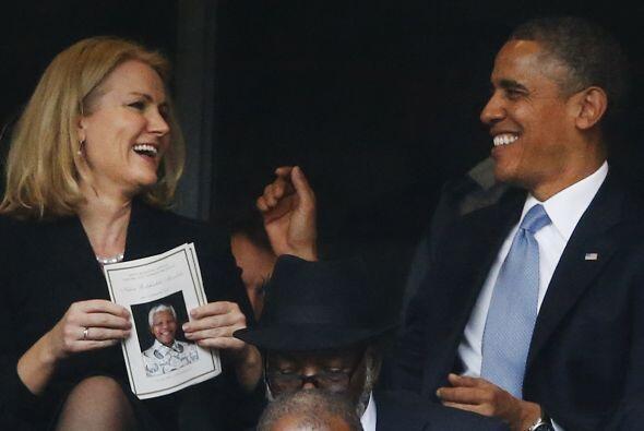 La Primera Dama de EEUU miraba la situación con cara seria y sin partici...