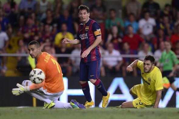 A falta de pocos minutos para el final del duelo, Messi escapó de la def...