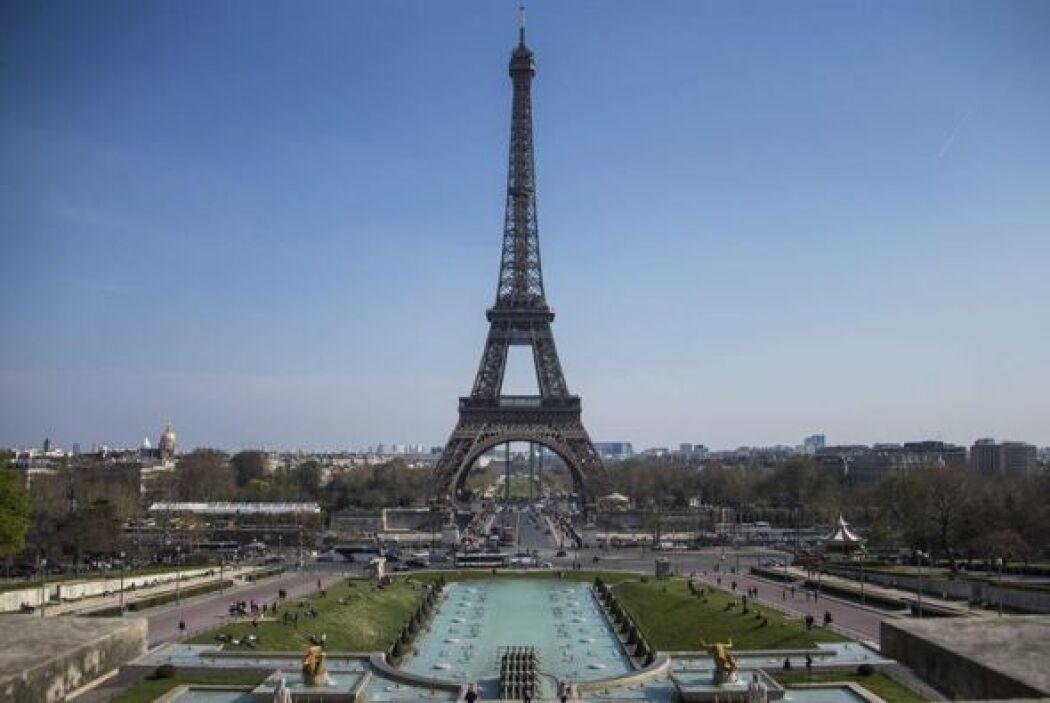 Y el monumento contó, tras su inauguración, con el beneplácito de los pa...