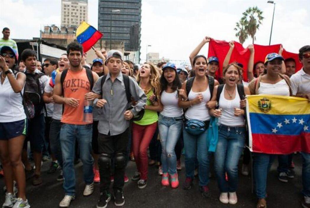 La marcha blanca de la oposición venezolana partió desde Chacaíto y conv...