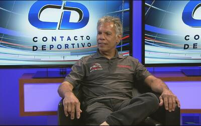 Hector Arana, campeón latino de hot rods