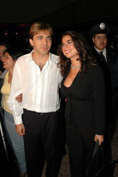Dolorosísimo fue el divorcio que tuvo Cristian Castro con su mujer Valer...