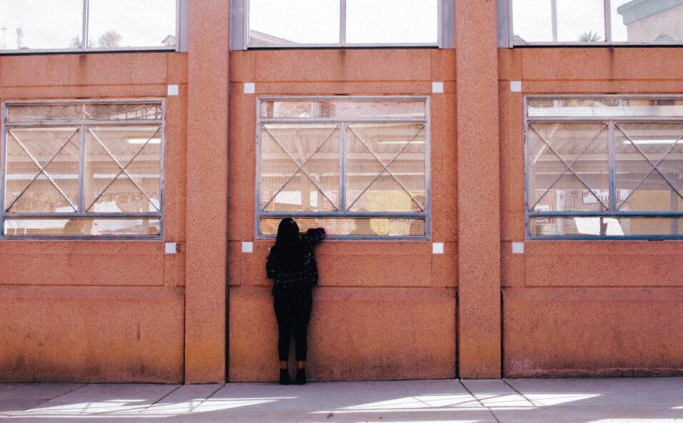 Autoridades en Arizona buscan a un hombre vestido de payaso que amenazó...