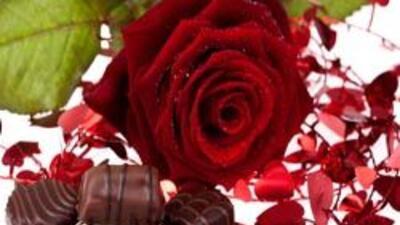 Un dulce, un chocolate o unas flores: regalos perfectos para San Valentín.