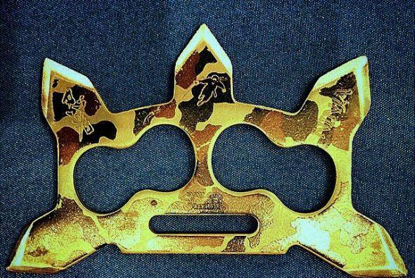 Esta arma utilizada en las artes marciales fue descubierta en el bolso d...