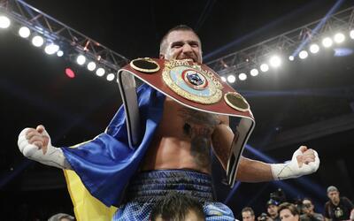Vasyl Lomachenko venció a Nicholas Walters
