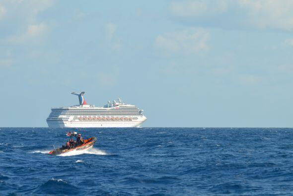 Después de varios días varados en el Golfo de México en condiciones que...